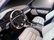 Mercedes-500E-22.jpg